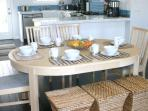 Dining table dor 6