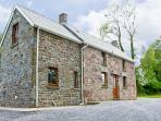 BWTHYN TRECOED, family friendly, country holiday cottage, with a garden in St Clears, Ref 6948