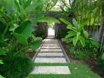 Bali Villa Shanti - path in the garden