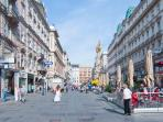 2 minutes walk: Am Graben shopping street