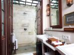 Villa Batavia - Lombok Outdoor Shower