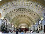 Union Station - Great Place to Park near Smithsonian, Many Restaurants, Mall Shopping, and TRAINS!