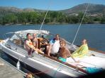 Yavanna - Nearby River Minho - A family waterskiing