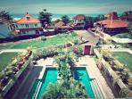 Pantai Indah Villas - 4 Bedroom Villa by the Beach