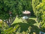 Garden/Yard - looking down from sun deck