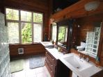 Main house king suite bathroom