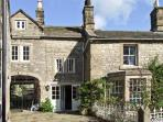 TURRET COTTAGE, pet friendly, character holiday cottage, with a garden in Youlgreave, Ref 8450
