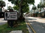 Close to Las Olas where you will find cute little shops, restaurants and bars