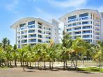 Oceanfront Penthouse, Million $$ View - 4BR/4.5BA