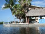Tiki hut & picnic area