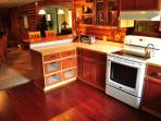 Well equipted & spacious country kitchen