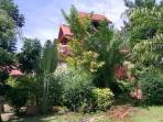 3 double bed Thai Villa, sleeps 8, A/C, garden, BBQ, TV, Wifi, pool, kitchen