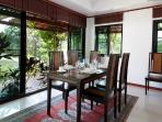 Mountain Breeze Villa - Dining room