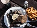 mussels at Helen's bar, Kilmakillogue