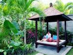Massage at the garden bale