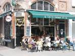 the friendly cafe at the corner, also serves breakfast and world famous Kuyt's applepie!
