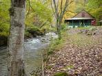 Larky Creek Lodge