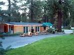 Manzanita Lodge: Meeting/activities Dining Group Kitchen double all appliances 8' screen hi def tv