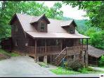 4 bedroom gatlinburg cabin with community pool