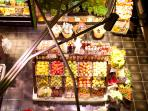 Mercado San Anton: gourmet shopping and HIPERCOR supermarket