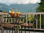 Amazing Mountain Views, Free Standing Spacious Vacation Rental! 10% off Fall!
