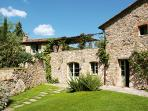 Beautiful Tuscan Villa with Pool on a Hillside with Wonderful Views - Casa Angel