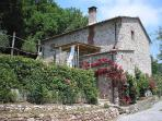 Tuscan farmhouse with a private pool - Casa Accogliente
