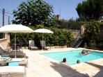 ROSE COTTAGE WITH POOL AN HOUR FROM BORDEAUX & BERGERAC AIRPORTS