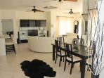 Luxury New 2 Bedroom Condo Open Plan Sleeps 6