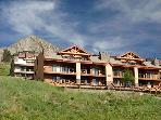 Beautiful Mountain Views - Centrally Located (1044)