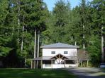 Cozy 2 - Overlooks the Sol Duc River | Expansive yard | Horse Shoe Pits