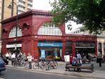 Gloucester Road Tube station only 5 minutes walk to Apartment