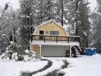 Beautiful Winter escape (Snow always shoveled for access)