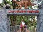Dino World /The Kids will enjoy !! 1/2 HOUR DRIVE FROM SUITE
