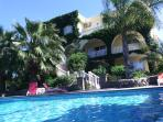 Holiday House-big group accommodation for up to 28