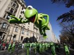 Macy's Thanksgiving Day Parade - Kermit