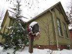 Yes- Indianapolis does get snow once in a while- no problem though the cottage is warm and toasty