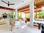 Indoor/outdoor dining/living