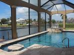 Private resort saltwater pool w/spa & built in table- lounge like you're at the Ritz Carlton!
