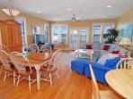 Living room/Dinig area