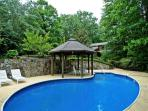 Blue Ridge 7 bedroom cabin swimming pool creek