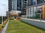 Southbank serviced apartment BBQ & outdoor entertainment area