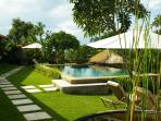 Pool, garden and lounges