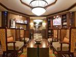 Arrowleaf Lounge