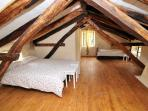 Attic room (en suite)