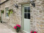 LOW SHIPLEY COTTAGE two double bedrooms with ensuites, woodburning stove in Barnard Castle Ref 16399