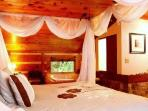 Rushing Waters Cabin-Bedroom