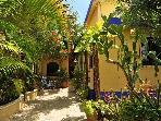 La Buena Vida entrance & gardens.