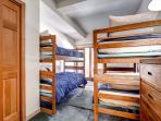 Pines Townhome Bunk Bedroom Ski-in/Ski-Out Breckenridge Lodging