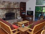 Eric's Landing, Fireplace, Flatscreen TV, DVD Player